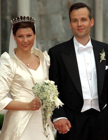 2002-05-14-mariage-ari-behn-ml-2